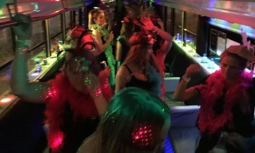 Dancing _girls _at _hens _party