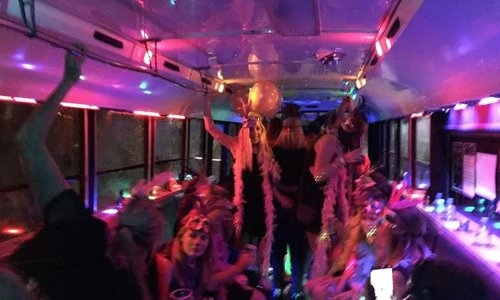 Girls _on _party _bus